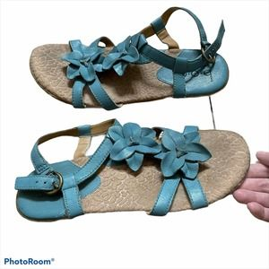 B.O.C Flower Leather T Strap Sandals